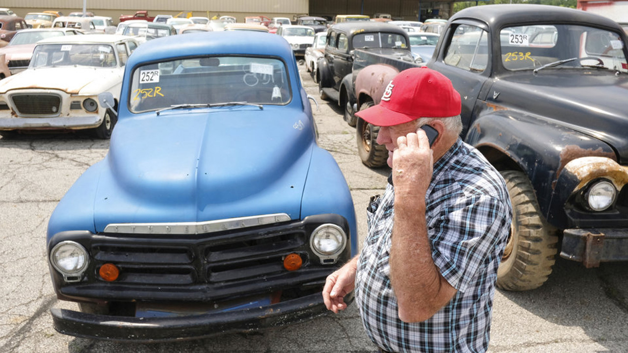 Ohio collector\'s auction features 700 classic, unusual vehicles