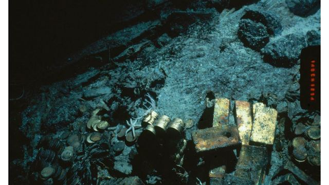 Gold treasure recovered from 1857 shipwreck to make debut