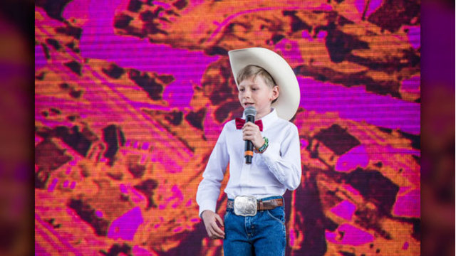 11-year-old 'yodeling boy' Mason Ramsey gets record deal