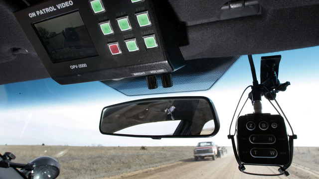 New law makes it illegal for Kansas cops to have sex during traffic stops