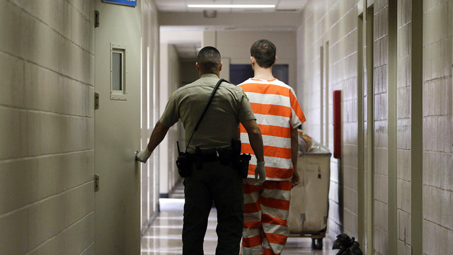 Thefts rise after California reduces criminal penalties