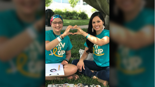 Teen dying of cancer, selling bracelets to survive