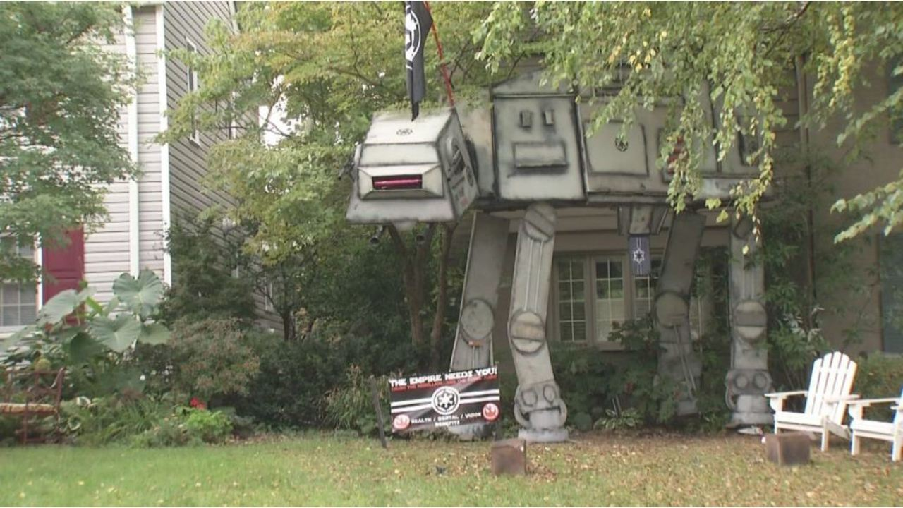 Just In Time For Halloween Life Size Star Wars Battlefield Back In Front Of Columbus Home