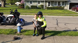 Hilliard police officer applauded for helping child learn to ride bike